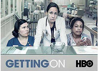 HBOコメディーシリーズ不満を抱えたジェナ・ジェイムズ医師と財政難に直面するカリフォルニア病院、女性高齢者介護病棟のスタッフたちを追うドラマ